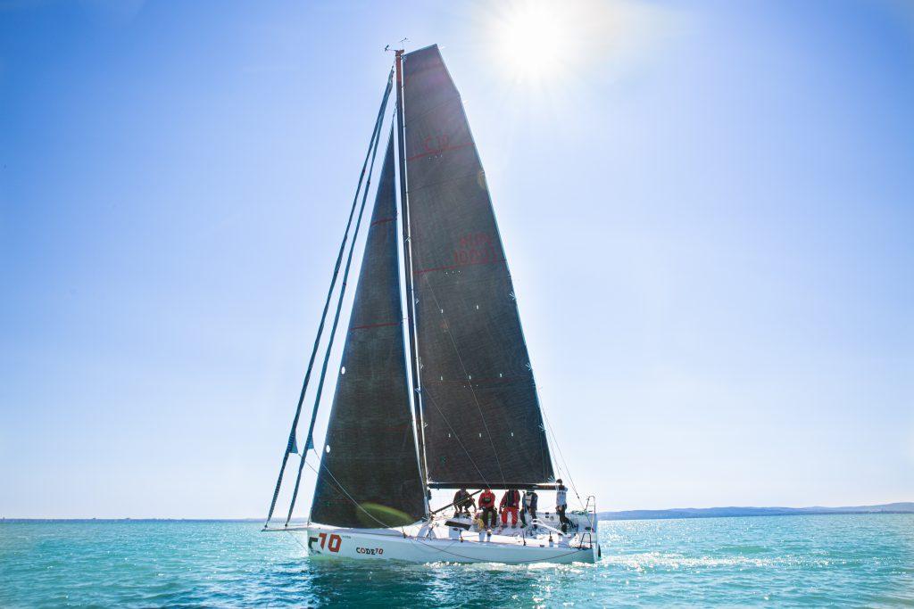 CODE10 sails - square top main